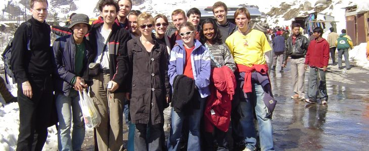india-manali-big-group